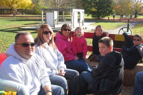 Some of the other scouts on the Gleaner hayride.