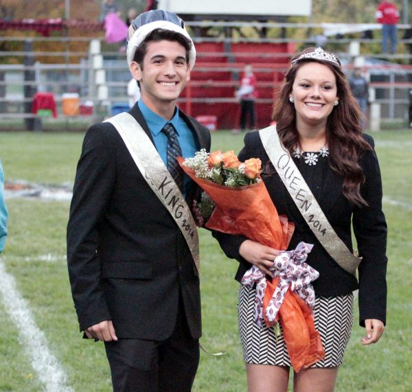 Homecoming2014 KingQueenNathanMaddie
