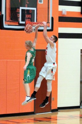 Chad Wright with the two hand jam