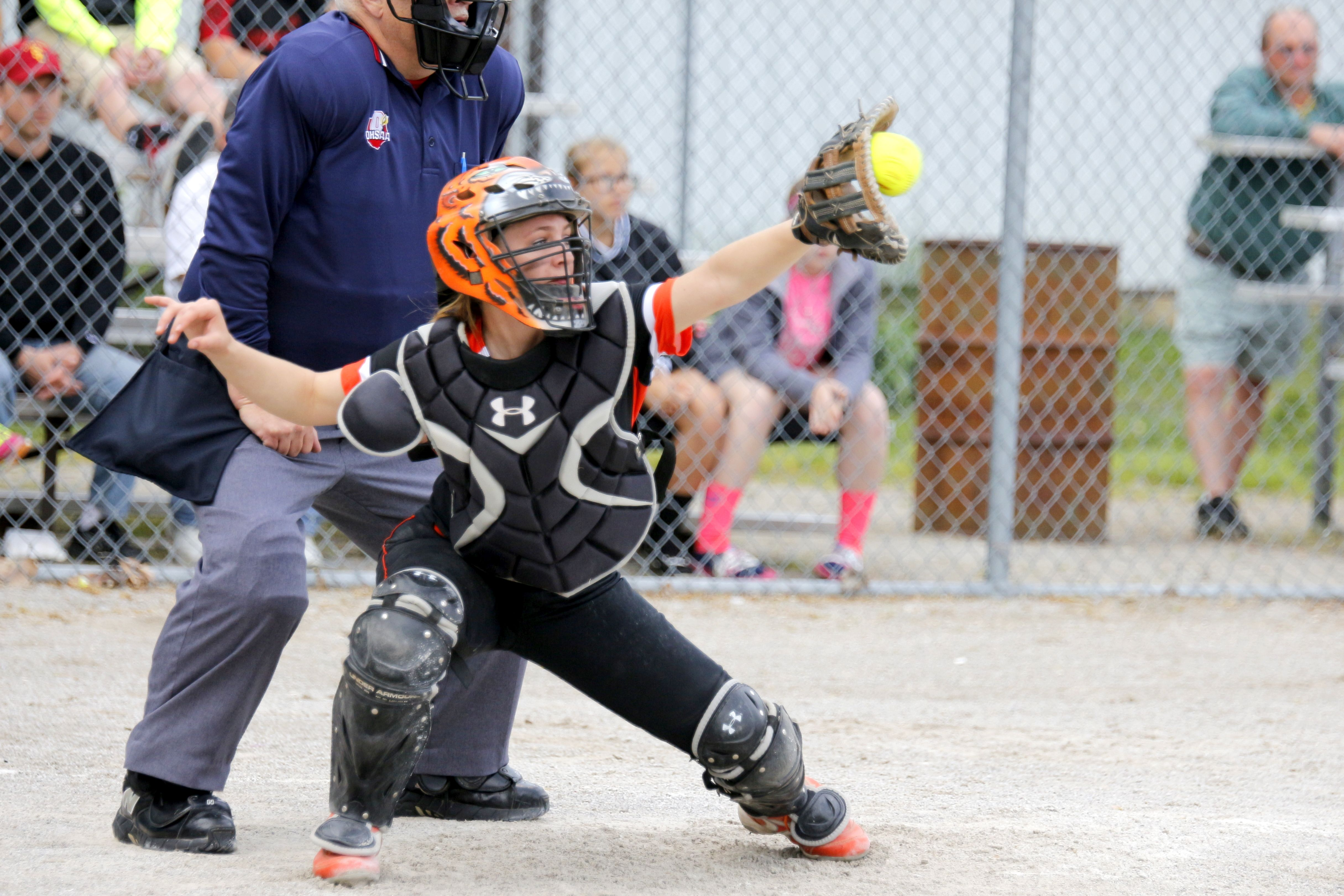 FIXED – Lady Tigers win Sectional Softball Opener