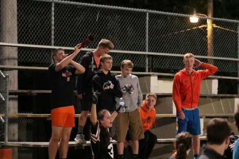 nbhs-homecoming-powder-puff-game-fans