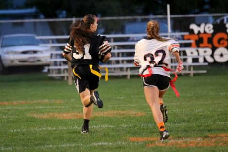 nbhs-homecoming-powder-puff-game-running-for-score