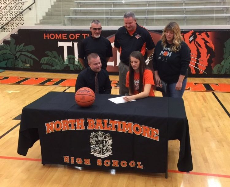 Kiah Powell Signs with Malone University for Hoops