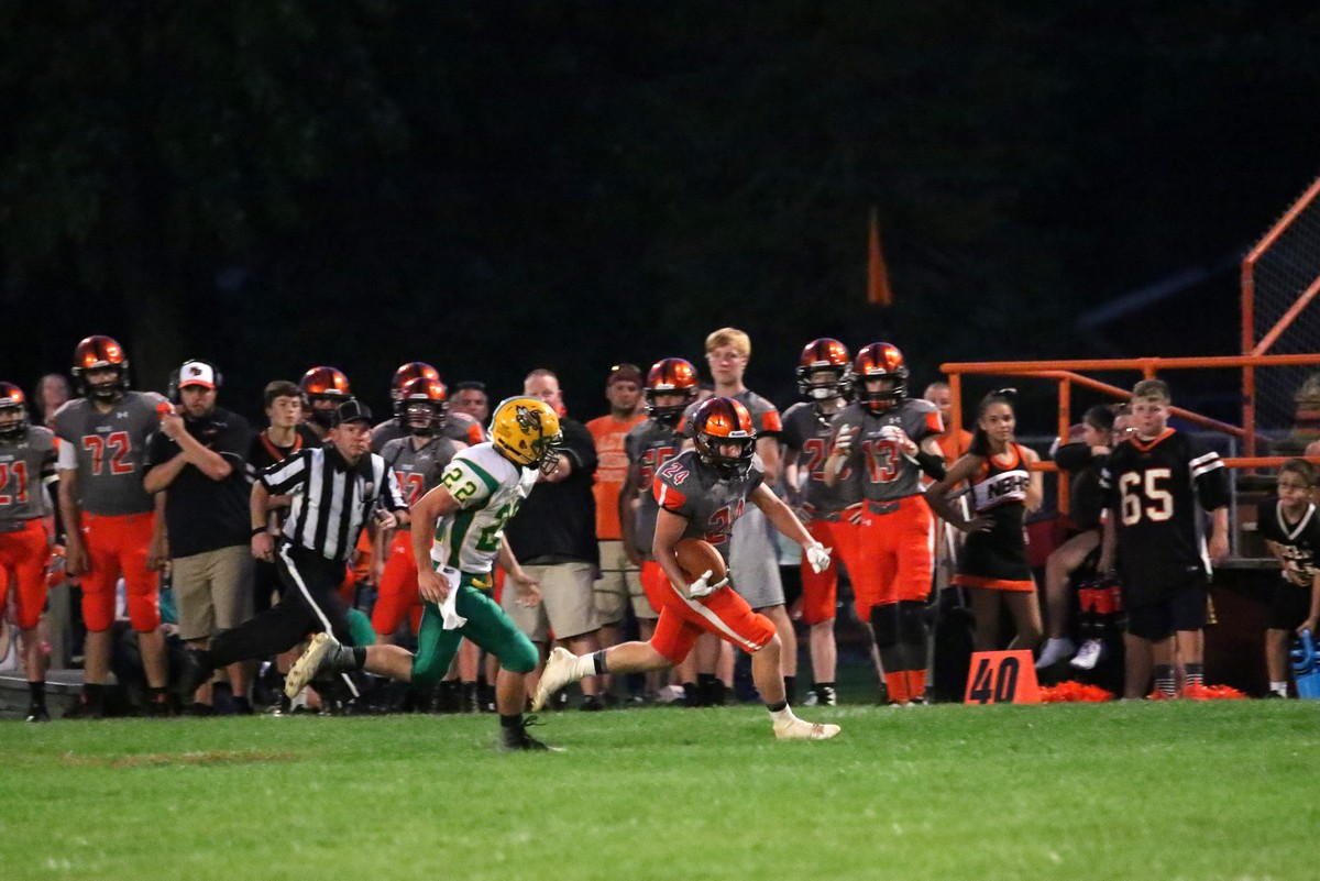 Fotos Added – Tigers Win Homecoming Over C – R