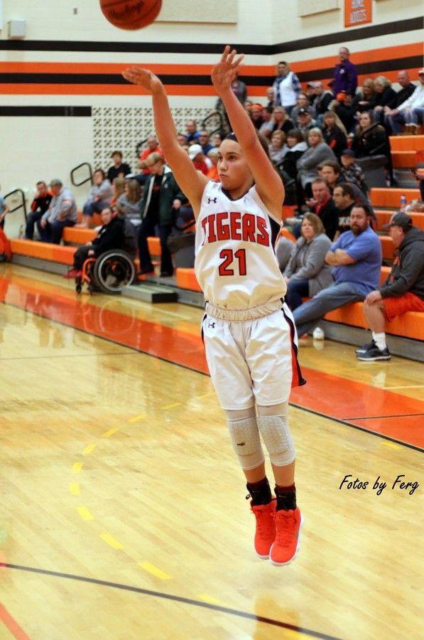 FOTOS Added – Lady Tigers Top Old Fort
