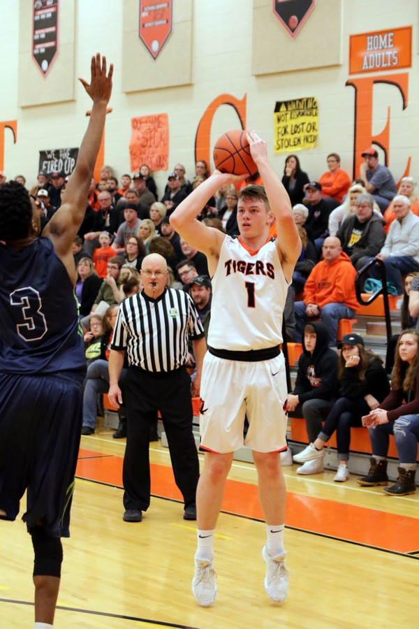 MVCDS Hangs On To Beat Tiger Boys B-ball