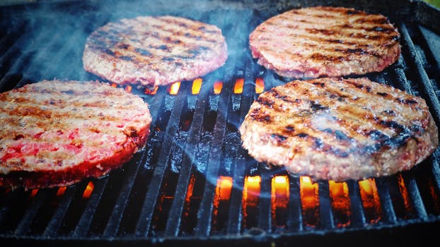 NB Custom Cut Steaks – Chops – Brats
