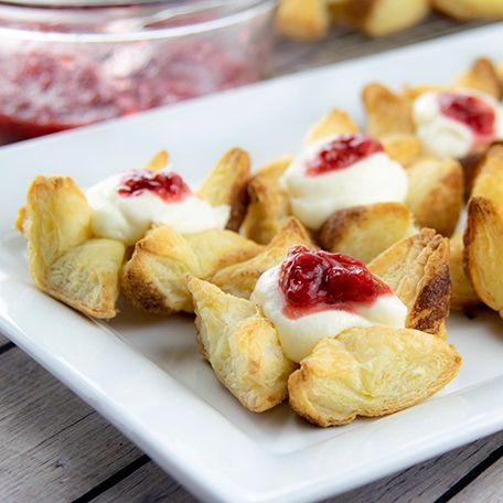 How to Make Ricotta Puff Pastries with Strawberry Compote