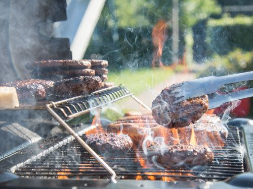 Chowline: Improperly Cooked Hamburgers could make your Grilling Season memorable