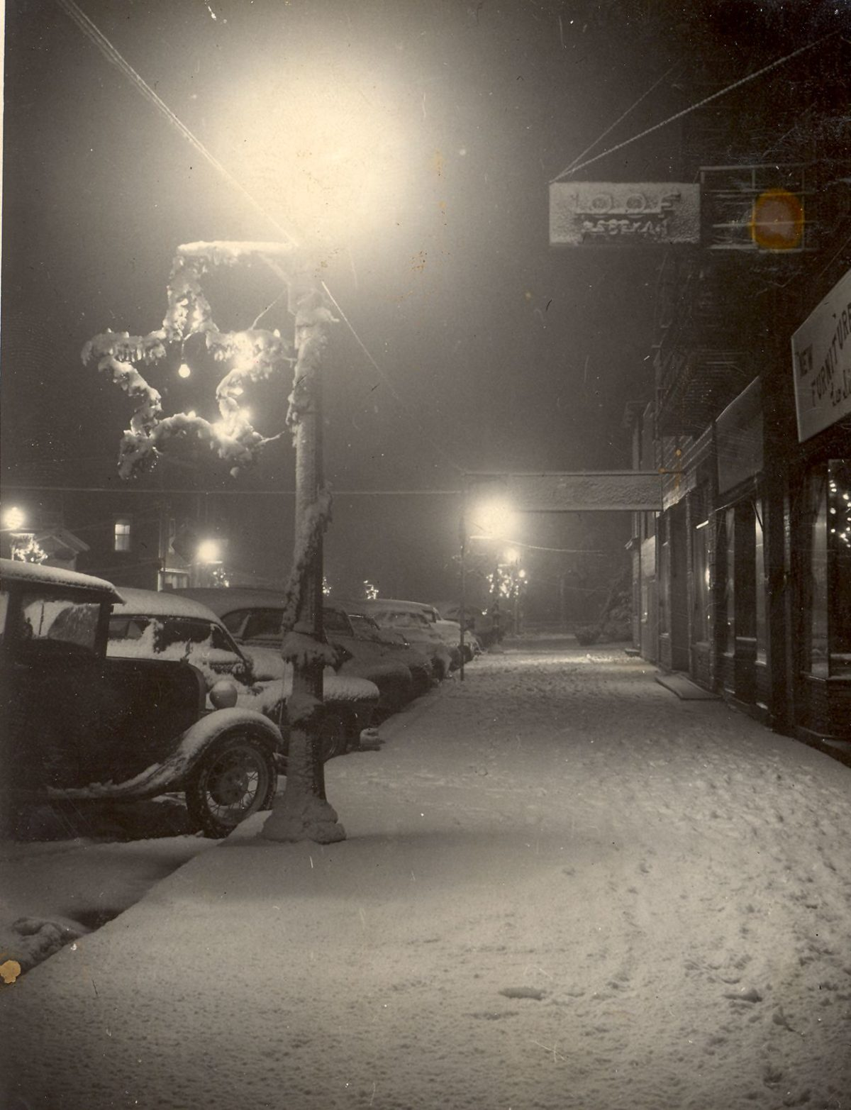 1947: A Moment of Peace on Christmas Eve in NB