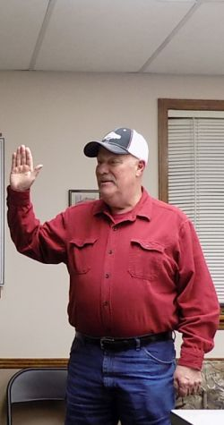 Henry Twp. Swears in New Member & Elects New Chairman
