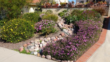 5 Easy Ways to Extend your Living Space Outdoors This Spring