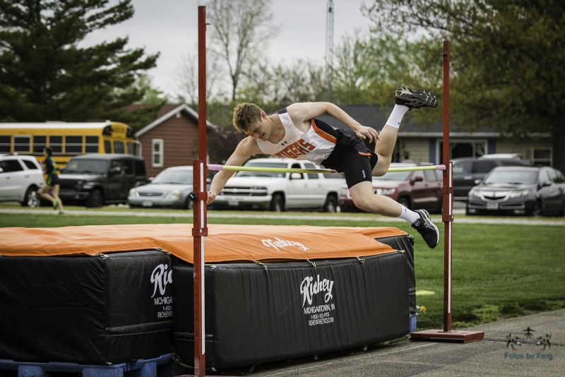 Photo Gallery: Tiger Track Action