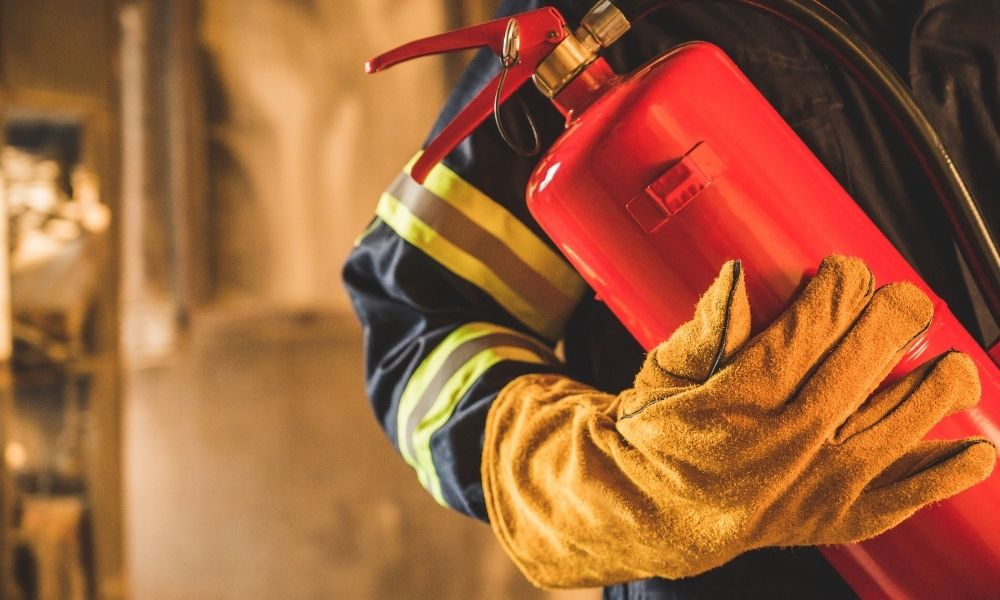 Techniques Firefighters Use To Handle Fire Extinguishers