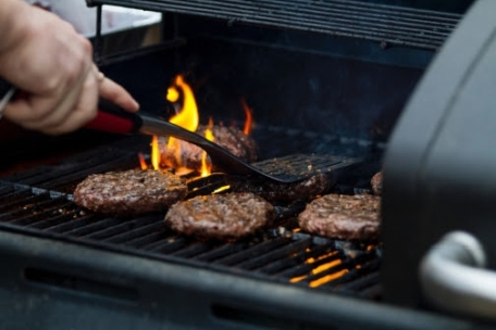 6 Tips to Get Grilling with Your Kids This Summer